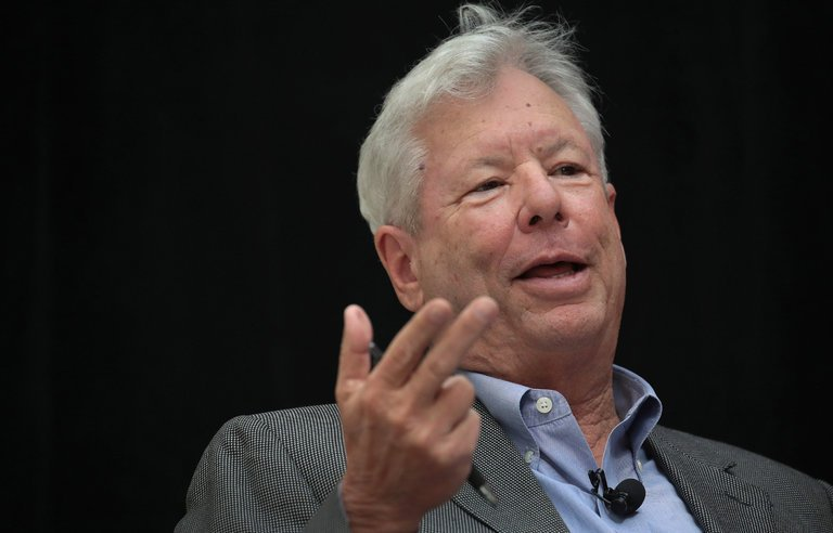Richard Thaler: What the Nudge?