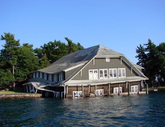house_flood-580x444